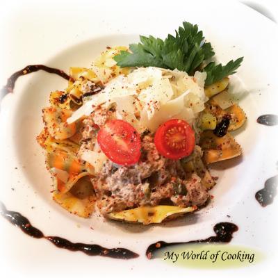 Farfalle al limone mit Thunfisch und Salat
