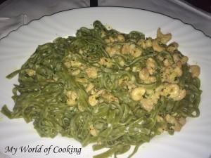 Grüne Nudeln mit Scampi