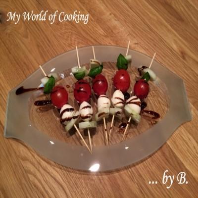 Tomaten-Basilikum-Mozzarella Spießchen by B.