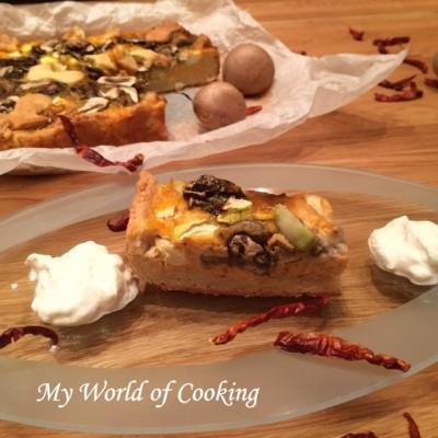 Kürbis-Quiche mit Pilzen und Zucchini