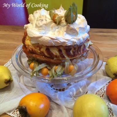 Köstliche Biskuit-Topfen-Quitten-Torte mit Baiser-Häubchen