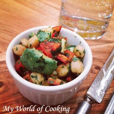 Kichererbsen Salat – leicht & erfrischend