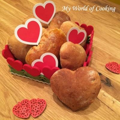 Steinpilz-Brioche-Herz (oder) Wieso wird Liebe & Zuneigung auf den Valentinstag reduziert?!