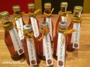 Home-made Rhabarber-Sirup mit Bourbon-Vanille