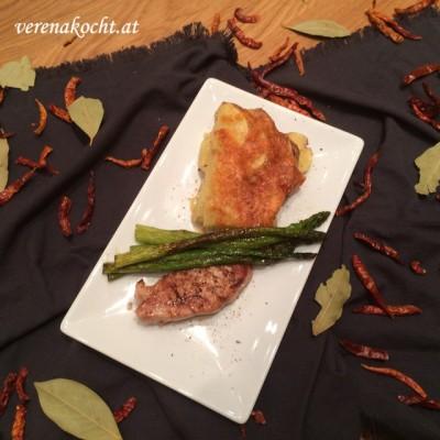 Filetto di maiale con capperi mit karamellisiertem, grünem Marchfelder Spargel (oder) Drei Foodbloggerinnen -> ein Beitrag