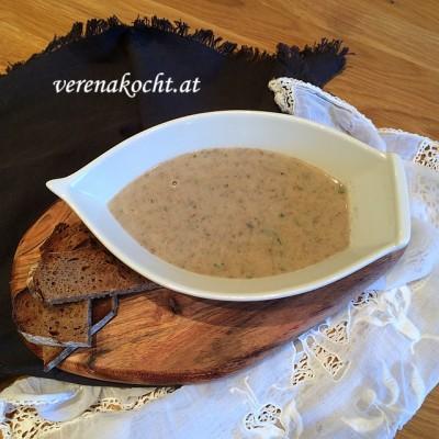 Creme-Süppchen vom braunen Champignon (oder) Die 15-Minuten-Suppe gegen schlechte Wetterprognosen