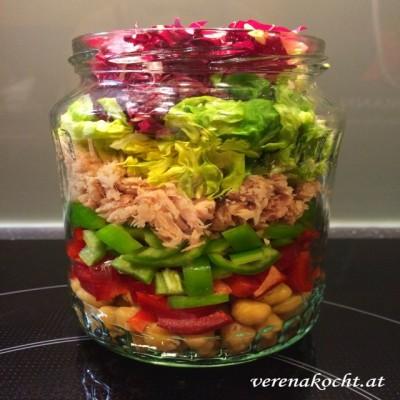 Office Lunch – low-carb Shaking Salad im Glas (oder) Der Sommer kommt ganz bestimmt noch heuer