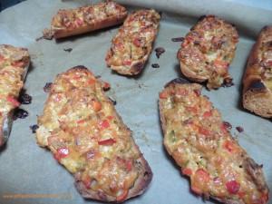 Thunfisch-Paprika Toast