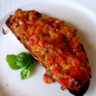 """Thunfisch-Paprika Toast – ein GASTBEITRAG by Sina von """"giftigeblonde"""""""