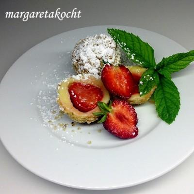 Fruchtig saftige Erdbeer-Knöderln (oder) Margareta zaubert den Sommer auf den Teller