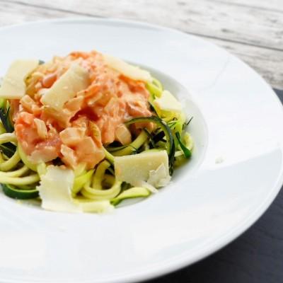 Zoodles al Salmone – das perfekte Low-Carb-Abendessen – GASTBEITRAG von Anita => www.gailtalontour.com