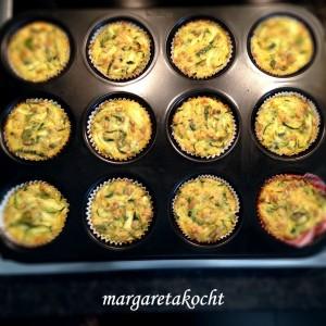 Zucchini-Käse-Muffins