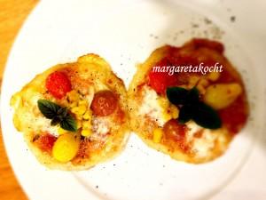 Mini-Pizzen auf Kartoffelpuffern