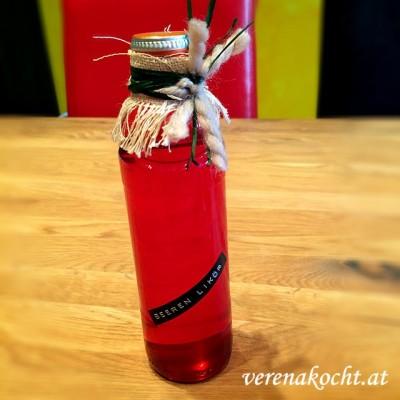 Beeren-Likör – Teil 2 – Likör abgießen und Pakostane genießen