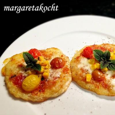 Margaretas lustige Mini-Pizzen auf Kartoffelpuffer – tolle Idee fürs nächste Geburtstagsbuffet