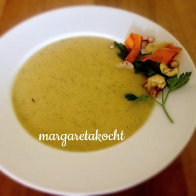 vegane Kichererbsen-Zucchini-Creme-Suppe (oder) Gewappnet für die kalte Jahreszeit