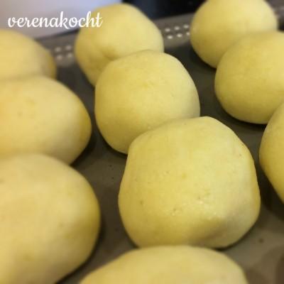 klassische Kartoffelknödel (oder) Ganslessen fix – fertig – müde
