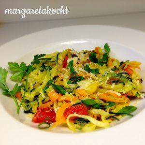 gesunde Karotten-Zucchini-Zoodles