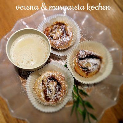 veganer Apfel-Haferflocken Frühstücksdrink aus dem AndSoy (oder) nach der Völlerei gibt's gesundes Frühstück