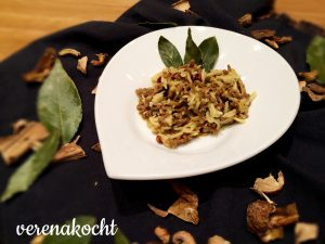 Orientalische Reispfanne mit Mango & Berberitze