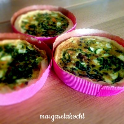 Spinat Tartelettes mit Kichererbsen & Zucchini (oder) nahtlose Übergabe einer Krankheit in der Familie