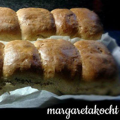 home-made Dinkel Buttertoast (oder) Eislaufen, Kuchenbacken, Brotbacken – alles an einem Tag
