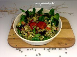 Salat Bowl mit Linsenkeimlingen