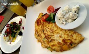 Omelett mit Gemüse und Topfenaufstrich