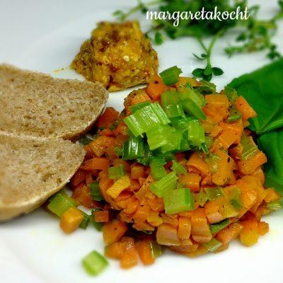 Karotten-Sellerie-Tatar mit Karotten-Leinsamen-Aufstrich (oder) Hoch lebe die Karotte!