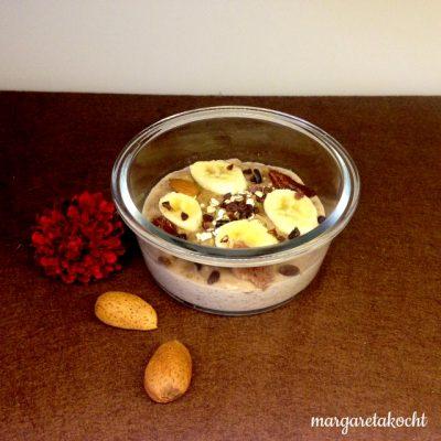 nussig-schokoladiger Bananen-Porridge (oder) Die Zeit ist der Feind des morgendlichen Breis – oder?!