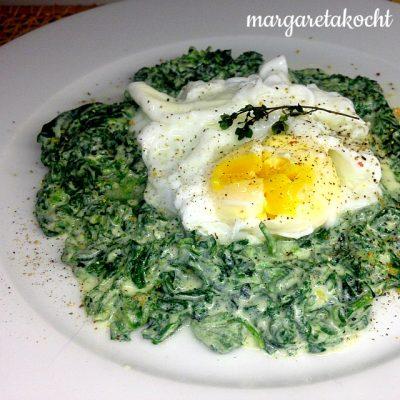 Pochiertes Ei im Brennnessel-Oster-Nest (oder) Traditionelles Grünzeug am Gründonnerstag