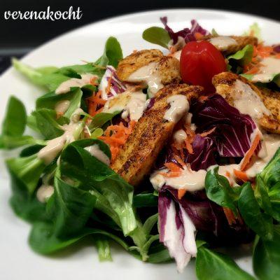 bunter Blattsalat mit Hendlstreifen (oder) alles BIO – auch ohne erwähnt zu werden!