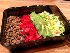 Linsen - Paprika - Avocado -Salat