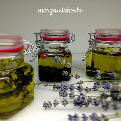 home-made Kräuter-Öl (oder) vom Erkennen des perfekten Zeitpunktes