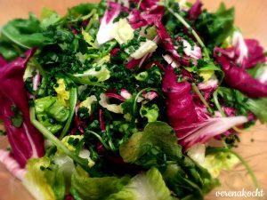 ... frischer Blattsalat ...