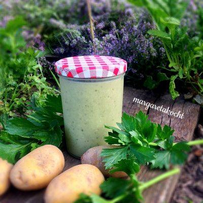 Kartoffel Suppe mit Selleriegrün (oder) Beas fröstelndes Schlafdefizit