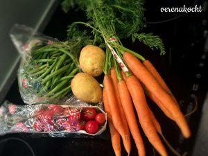 Fisolen, Kartoffeln, Karotten, Tomaten