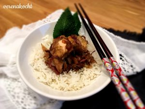 Asiatische Lachs Pfanne auf geröstetem Kraut & Basmatireis