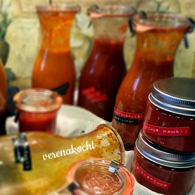 home-made Tomaten Ketchup (und) am Rande des Wahnsinns!