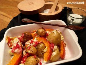herbstliches Gemüse-Packerl (Kürbis, Kartoffeln, Feta & Granatapfel)