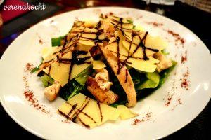Salat mit gegrilltem Hühnerfilet