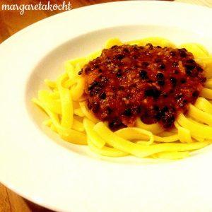 Linsen Bolognese mit Oliven & getrockneten Tomaten