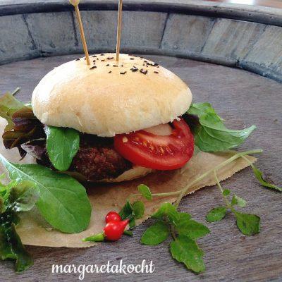 Burger mit Käsecreme (und) … doch gar nicht so wichtig!