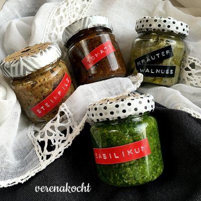 Pesto von Tomate, Basilikum, Steinpilz und Walnuss (oder) Last-Minute Weihnachts-Geschenke