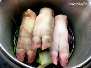 Schweins-Haxerln
