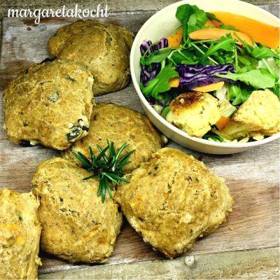 g'schwinde Fladen-Brötchen mit Karotte, Olive & Walnüssen (und) Verwirrung pur