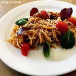 Thunfisch Spaghetti in Melanzani Oliven Sauce