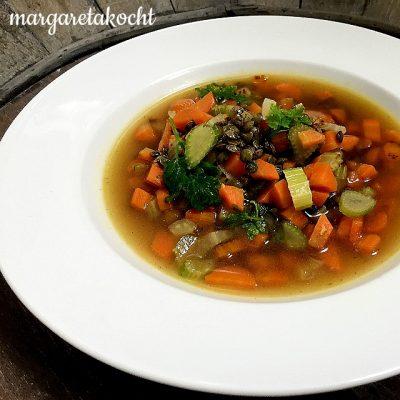 feine Fasten-Gemüse-Suppe (und) Hand aufs Herz: fasten oder darüber philosophieren?