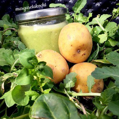 schmackhafte Rucola Kartoffel Suppe (und) G'sund. G'schmackig. Großartig. Kräutergarten.