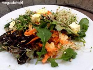 Sommer-Salat mit Karotten & Feta